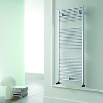 Hot water towel radiator / vertical / aluminum / wall-mounted