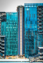 Glass building panel / laminated