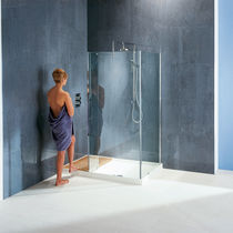 Fixed shower screen / angle / glass