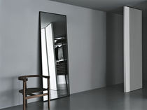 Wall-mounted mirror / contemporary / rectangular / metal