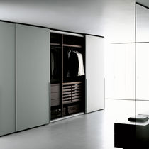 Contemporary wardrobe / wooden / sliding door / by Piero Lissoni