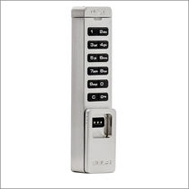 Electronic lock / for lockers / combination