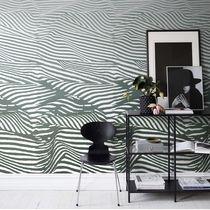 Contemporary wallpaper / geometric