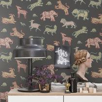 Contemporary wallpaper / animal motif