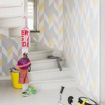 Contemporary wallpaper / geometric / white / black