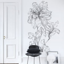 Traditional wallpaper / floral / gray