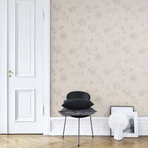 Traditional wallpaper / floral / white / gray