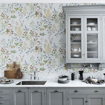 Traditional wallpaper / floral / white