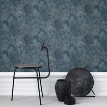 Traditional wallpaper / floral / gray / blue
