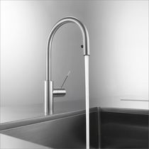 Stainless steel mixer tap / kitchen / 1-hole / with pull-out spray