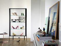 Contemporary display case / floor-standing / aluminum / glass