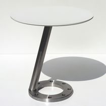 Contemporary side table / composite
