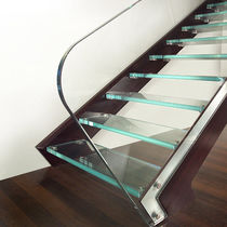 Straight staircase / glass steps / wooden frame / without risers