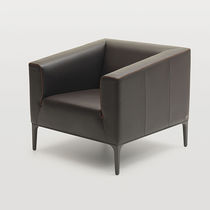 Visitor armchair / contemporary / aluminum / leather