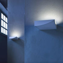 Contemporary wall light / thermoplastic / LED / halogen
