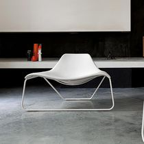 Contemporary fireside chair / leather / black / white