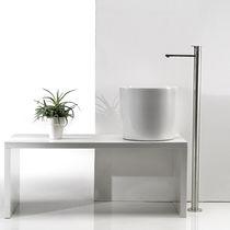Countertop washbasin / round / ceramic / contemporary