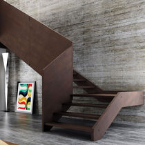 Half-turn staircase / wooden steps / wooden frame / without risers