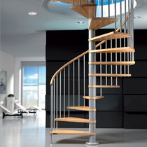 Spiral staircase / wooden steps / metal frame / without risers