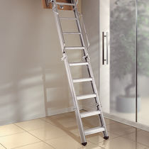 Retractable ladder / folding