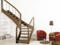 Quarter-turn staircase / wooden frame / wooden steps / lateral stringer