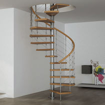 Spiral staircase / wooden steps / steel frame / without risers