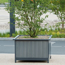Metal planter / square / traditional / for public areas