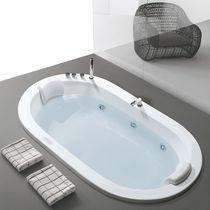 Oval bathtub / acrylic / double / hydromassage
