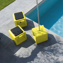 Contemporary pouf / polyethylene / square / garden