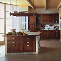 Traditional kitchen / solid wood / island
