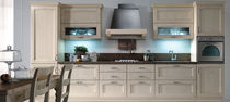 Traditional kitchen / wooden