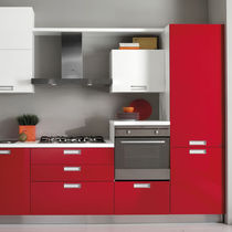 Contemporary kitchen / laminate / lacquered
