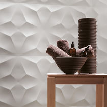 Wall tile / porcelain stoneware / geometric pattern / matte