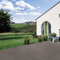 Outdoor tile / floor / porcelain stoneware / matte