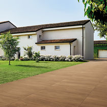 Outdoor tile / floor / porcelain stoneware / plain