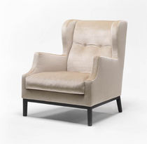 Contemporary armchair / wing / fabric / by Piero Lissoni