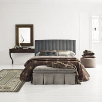 Double bed / traditional / fabric / upholstered