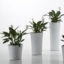 Polyethylene garden pot / conical