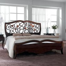 Double bed / classic / wooden