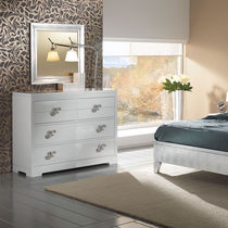 Traditional chest of drawers / wooden / lacquered wood / beige