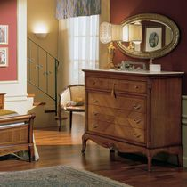 Traditional chest of drawers / wooden / brown