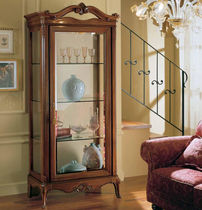 Traditional display case / floor-standing / glass / wooden