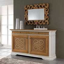 Traditional sideboard / wooden / lacquered wood