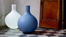 Contemporary vase / low-density polyethylene (LDPE) / illuminated / by Christophe Pillet