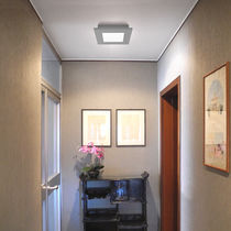 Surface mounted downlight / LED / square / glass