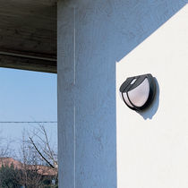 Contemporary wall light / garden / polycarbonate / thermoplastic