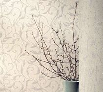 Glass wallcovering / reflective / textured / for professional use