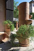 Contemporary planter / clay / round / for public areas