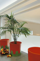 Contemporary planter / terracotta / round / residential