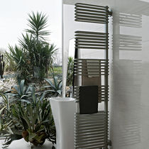 Hot water radiator / steel / contemporary / tube